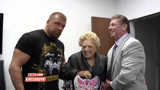 Triple H, Mae Young e Vince McMahon